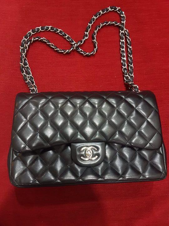 ab8608fd6cf1 Chanel Classic Handbag in Medium, Luxury, Bags & Wallets, Handbags ...