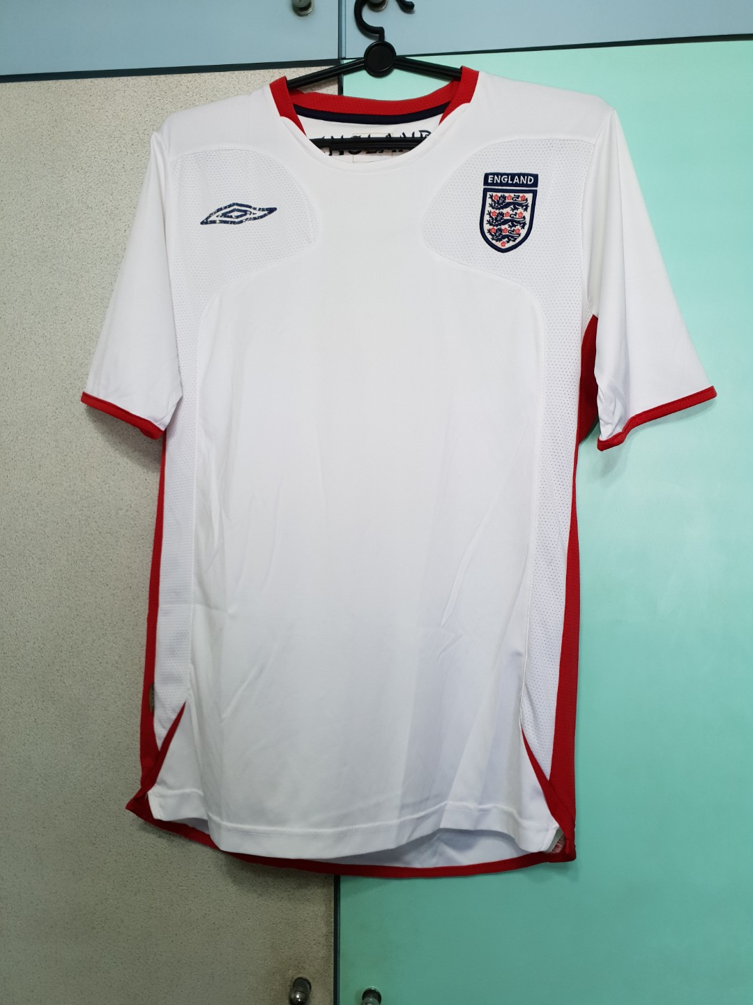 fa1900bd9 England Soccer Jersey, Sports, Sports Apparel on Carousell