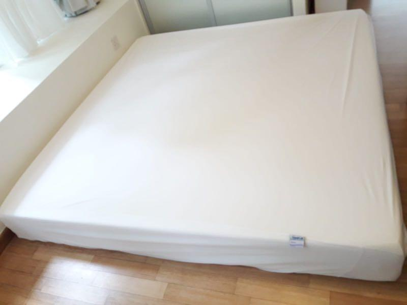 save off 3919c afb2f Great Condition King Size Tempur Mattress, Furniture, Beds ...