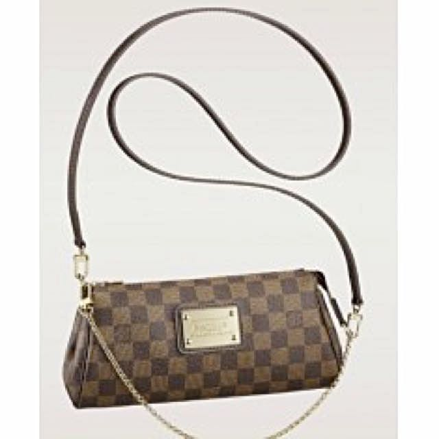 7308042b8aae Louis Vuitton Eva Clutch