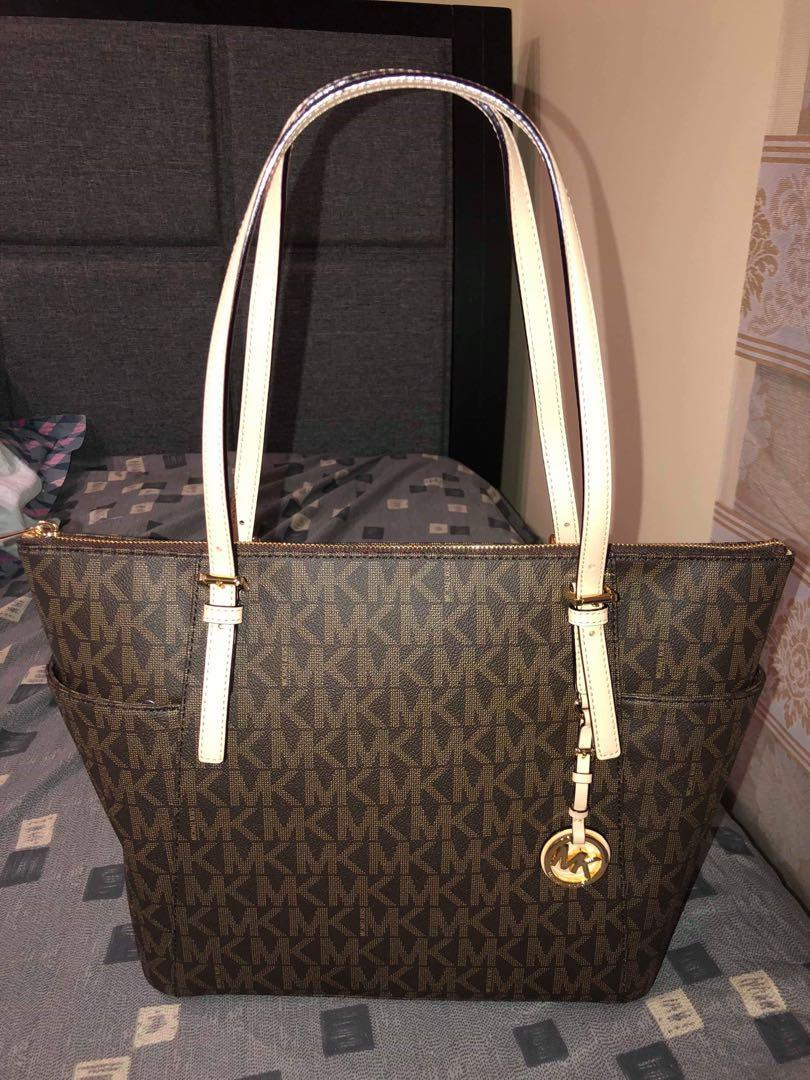 90dabe690b82 Michael Kors Tote Bag Original on Carousell