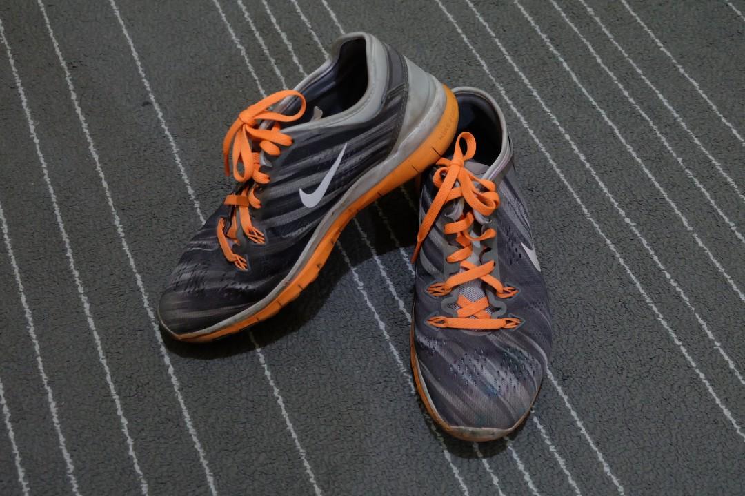 6a6d2ef623cb 𝐒𝐀𝐋𝐄 Nike Free 5.0 Women (Size 6) 𝐒𝐀𝐋𝐄