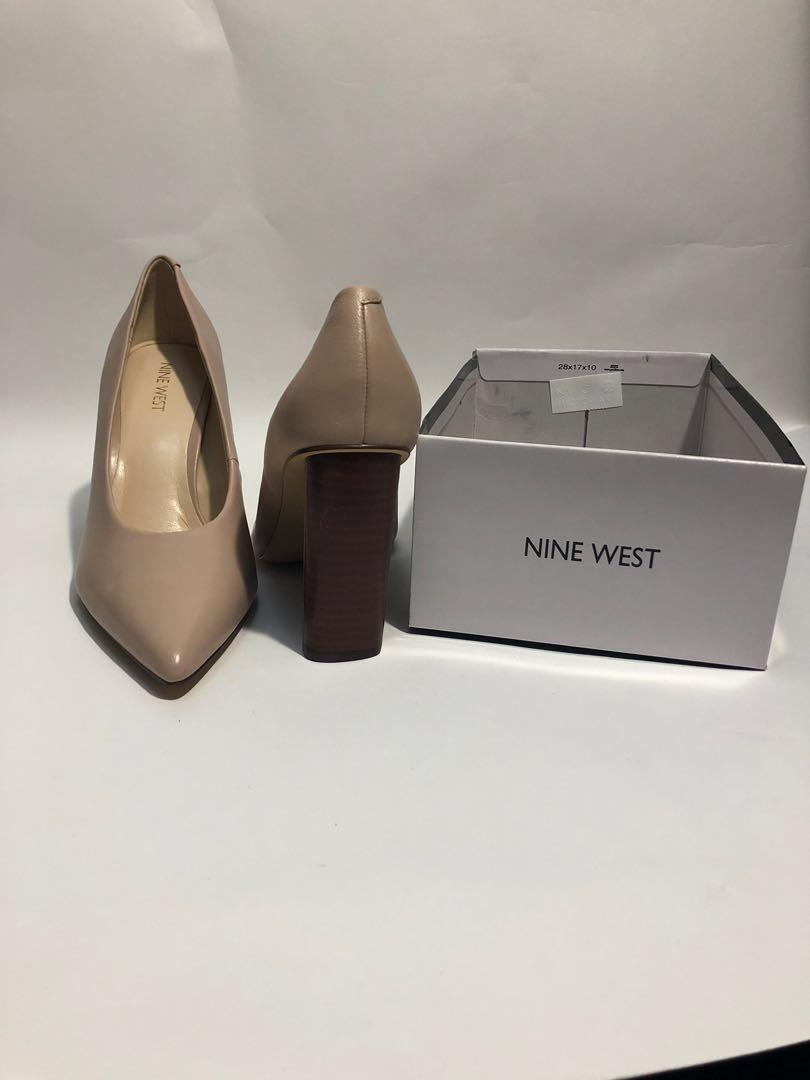 Nine West nude pump size 10