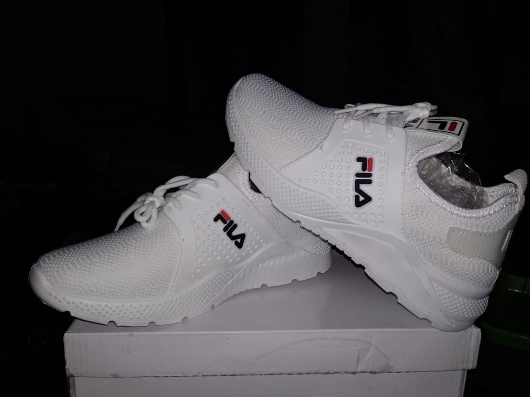 sepatu fila putih 86e7cec432