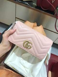 Gucci 新款翻蓋斜背小包