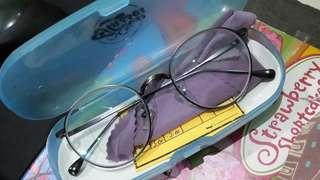 Kacamata Minus Model Oval