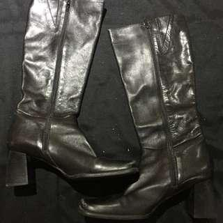 Nine West long black leather boots with zipper - Size 9