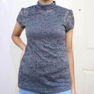 2-piece turtleneck lace top