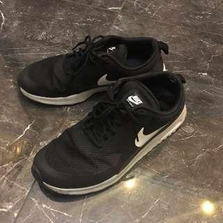 Nike air max thea us7