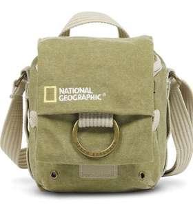 National Geographic NatGeo Earth Explorer 2342 small hollster khaki