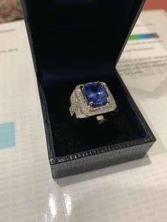 5.15 Cts Natural unheated Blue Sapphire Ring with Diamonds