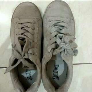 Sneaker Anak