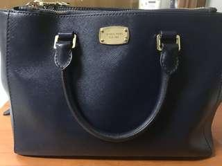 Michael Kors sling bag medium