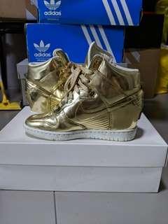 Price Firm : us6 Nike Dunk Sky Hi Gold AU