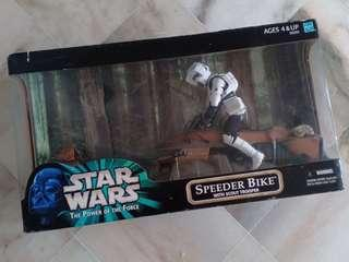 Speeder Bike with Scout Trooper (1:6 Scale)