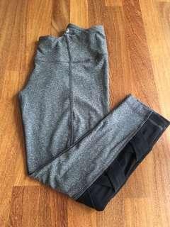 Size S 90'Degree 7/8 legging grey