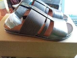 Authentic Kenneth Cole size 5