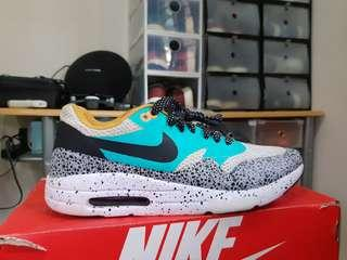 Nike air max 1 ultra essential. Size 42