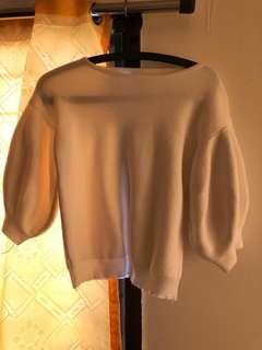 Puffy sleeved sweater
