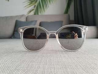 Silver Mirrored Shades/Sunnies/Sunglasses