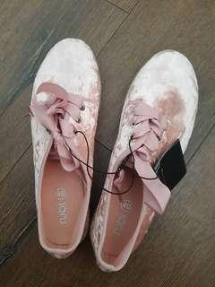 BNWT Rubi Shoes Blush Velvet Lace Up Espadrilles