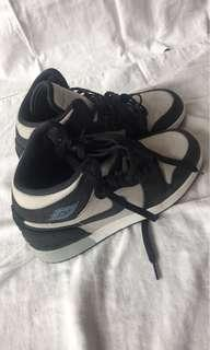 Authentic Jordan Air Jordan 1 Mid Junior