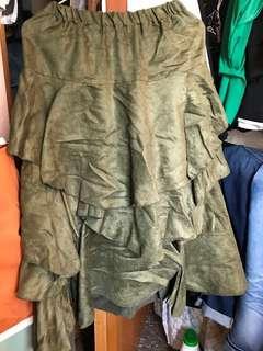 墨緑色半截裙