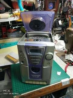 音響組合三合一 要另配喇叭 cd收音機運作正常 唱錄音帶要維修