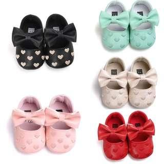 🚚 BN Baby Girl Bow Hearts Mary Janes / Crib Shoes Mint/ Cream/ Black/Red available! 0-18mths! Ready Stock!