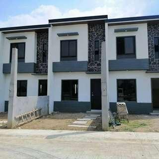 Malapit sa lahat Complete townhouse semi complete and complete units available