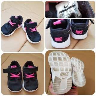 NIKE BABY RUBBER SHOES