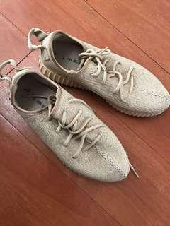 Adidas Yeezy first edition sneakers size US 7 mens