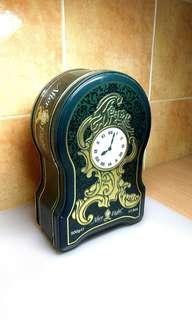 Vintage Tin Box ( After Eight Dark Chocolate )
