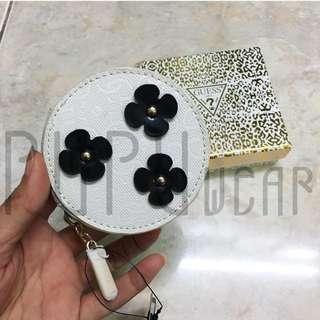 guess earphone case white black flower PUPUwear