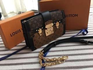 0907ba0573b Louis Vuitton Trunk Clutch Reversé Monogram