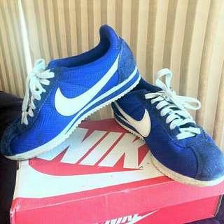 Nike cortes blue