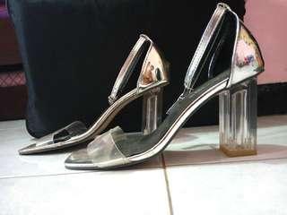 SALE Heels kaca silver 75K