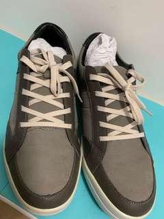 🚚 La New 休閒鞋