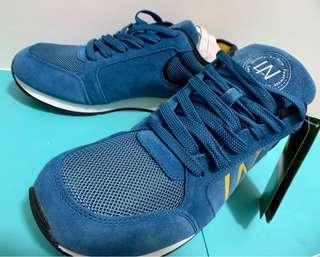 🚚 La new運動鞋👟