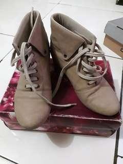 Sepatu boots xml size 39