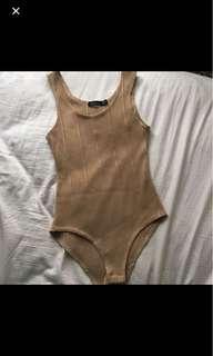 Boohoo ribbed bodysuit size 6