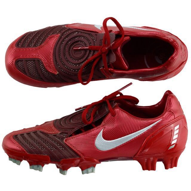 nike football boots total 90