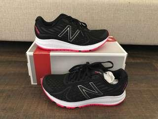 New Balance US 7 UK 5 Women Running Shoes Sneakers Vazee Rush RRP$140 NEW!! Authentic!!