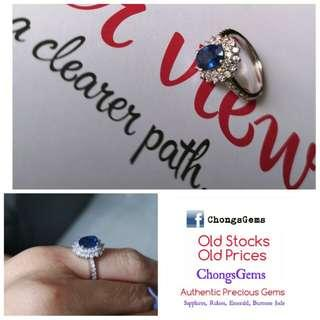 Diamonds & Sapphire ring Sri Lanka . Gorgeous lustre ans blue