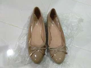 Kasut Barry to let go #preloved #womenshoes #coffee