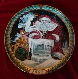 Vintage Santa Claus Plate 1992