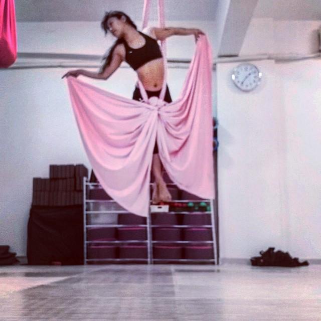 空中絲帶空中瑜珈 aerial silk yoga private