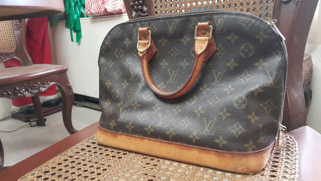 Authentic Preloved Louis Vuitton Alma Mm, Luxury, Bags   Wallets on ... f7be8ead59b