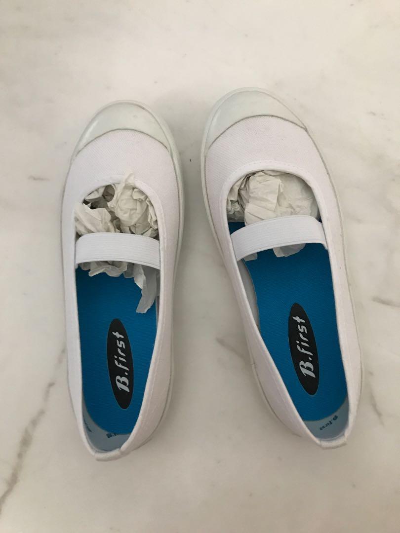 school shoes ( slip in type) size
