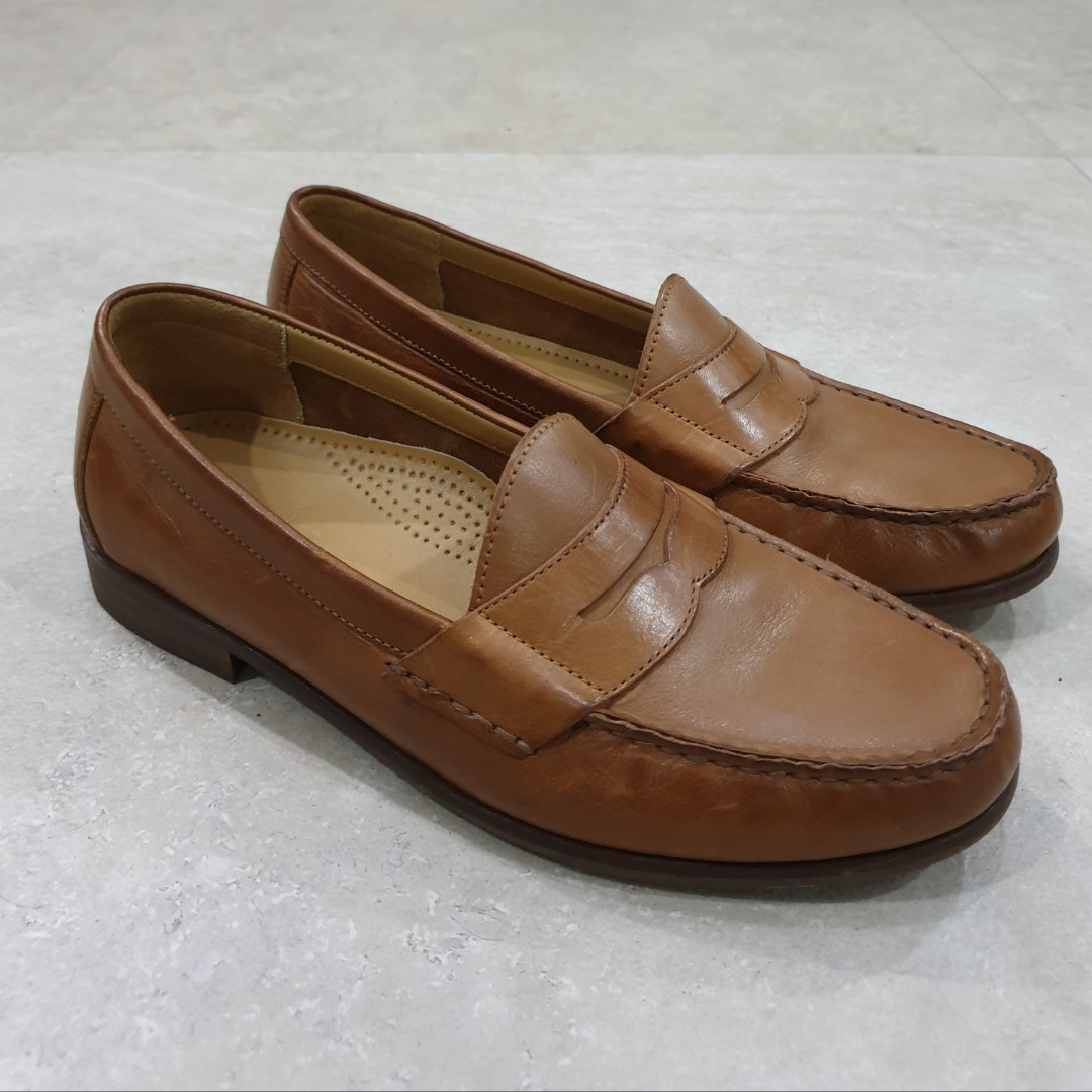 87278afc532 Authentic Cole Haan Ascot Penny Mens Loafers size US 7 in Tan leather on  Carousell